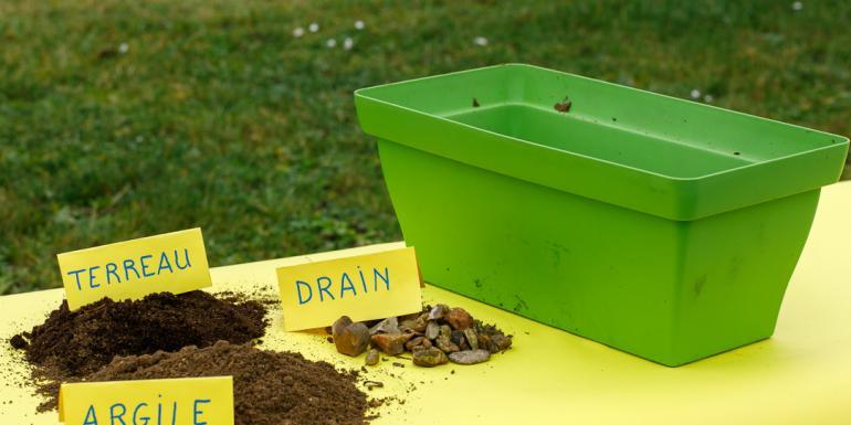 Préparation du mélange de terre
